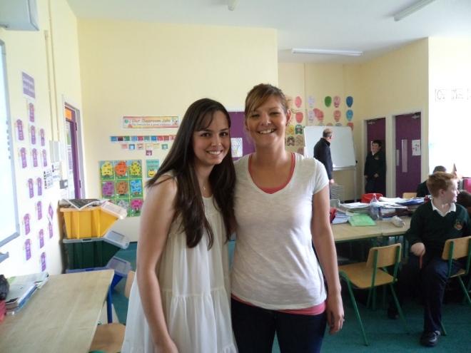 Stéfane é convidada para fazer uma apresentação sobre o Brasil na escola das crianças